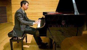 MELVYN TAN (PIANO)